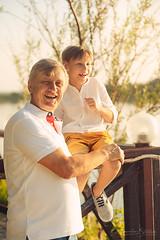 С моим дедом всегда обхохочешься! (MissSmile) Tags: misssmile family love grandpa generations emotions fun smiles joy