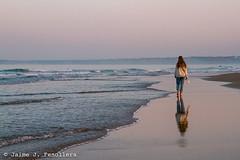 Amanece en Conil de la Frontera (IV) (Jaime J. Fenollera) Tags: playa conil conildelafrontera mar marinas