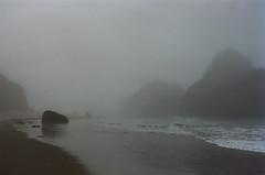 20180724-00029.jpg (tristanloper) Tags: tristanloper creativecommons film nikonf6 california bigsur pacificcoast highway1 pacificocean pfeifferbeach fog mist