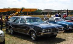 1968 Oldsmobile Vista Cruiser 6.6 V8 (rvandermaar) Tags: 1968 oldsmobile vista cruiser 66 v8 oldsmobilevistacruiser vistacruiser sidecode1 import ar8531 rvdm