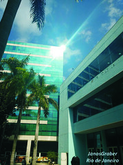Luz (Janos Graber) Tags: luz reflexo prédio imóvel cidadenova palmeiras riodejaneiro