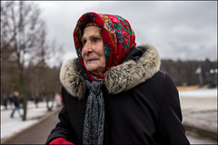 2a7_DSC1012 (dmitryzhkov) Tags: urban city everyday public place outdoor life human social stranger documentary photojournalism candid street dmitryryzhkov moscow russia streetphotography people man mankind humanity color colour funeral cemetery