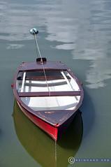 Niederösterreich Waldviertel Ottenstein_DSC0652 (reinhard_srb) Tags: niederösterreich waldviertel ottenstein stausee natur boot wasser ruhig rot sommer hitze erfrischung abkühlung spiegelung kamp