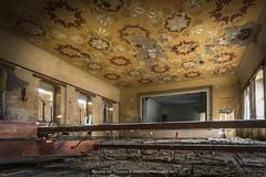 Ballsaal Garderobe (Dietmar Theile Fotografie) Tags: dietmartheilefotografie lostplaces lostplacefotografie exploring verfall vergessen decay räumefürträume verlassen