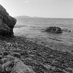 Beach at Owls Head Maine (http://www.aimonephoto.shop) Tags: 6x6 blackwhite hasselblad500cm kodaktrix400 mediumformat rodinal film monochrome safe