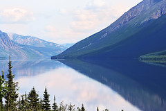 Tagish Lake, Yukon Territory, Canada (die Augen) Tags: alaska canon ls2 lake tagish mountain water forest landscape sky