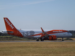 G-UZHC Airbus A320 (EasyJet Airline Company Ltd) (Aircaft @ Gloucestershire Airport By James) Tags: luton airport guzhc airbus a320 easyjet airline company ltd eggw james lloyds