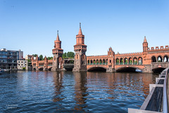 Oberbaum Bridge, Berlin (Daniel Poon 2012) Tags: berlin germany de musictomyeyes artistoftheyear amazingphoto 123 blinkagain blinkstomyeyes flickr nikonflickraward simplysuperb simplicity storytelling nationalgeographic ngc opticalexcellence beauty beautifullight beautifulcapture level2autofocus landscape waterscape bydanielpoon danielpoonca worldtravel superphotosgroup theamusingphotogroup powerofnikon aplaceforgreatphotographers natureimage focusandclick travelaroundthe world worldmasterpiece waterwatereverywhere worldphotography yourbestphotography mybestphotography worldwidewandering travellersworld orientalland nikond500photography photooftheyear nikonshooters landscapeoftheworld waterscapeoftheworld cityscapeoftheworld groupforallusersofnikon chinesephotographers