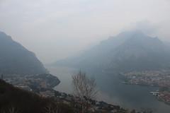 Lake, Mountains and Fog (giovanni_vaccaro) Tags: canon canon1300d canon1855 como lago lagocomo montagne mountains nebbia fog paesaggi escursionismo trekking atmosfera liberi freedom lombardia italia