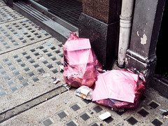 20180726T11-35-39Z-P7260531 (fitzrovialitter) Tags: peterfoster fitzrovialitter city streets rubbish litter dumping flytipping trash garbage urban street environment london fitzrovia streetphotography documentary authenticstreet reportage photojournalism editorial captureone olympusem1markii mzuiko 1240mmpro microfourthirds mft m43 μ43 μft geotagged oitrack
