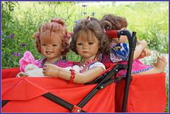 Sanrike und Milina ... wir machen uns auf den Heimweg ... (Kindergartenkinder 2018) Tags: shloss arcen venlo limburg kindergartenkinder sanrike annemoni tivi bebé nannett milina