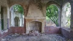 Ruinoso (pedroramfra91) Tags: verano summer exteriores outdoors ruinas ruins jardín garden abandono abandoned