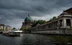 Berlin - Alemania (Garciamartín) Tags: paisaje arquitectura agua cúpula barco río berlín alemania europa garciamartín nino nubes