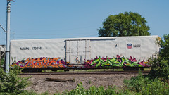 MAPLE - TASK (◀︎Electric Funeral▶︎) Tags: omaha midwest councilbluffs nebraska lincoln fremont desmoines kansascity kansas missouri iowa graff graffiti paint aerosol art freight train traincar freighttraingraffiti railway railroad railcar benching benched freighttrain rollingstock fr8train fr8heaven sony rx100m2 maple task tci armn reefer digital photography tm