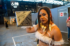 Japan Expo 2018 1erjour-195 (Flashouilleur Fou) Tags: japan expo 2018 parc des expositions de parisnord villepinte cosplay cospleurs cosplayeuses cosplayers française français européen européenne deguisement costumes montage effet speciaux fx flashouilleurfou flashouilleur fou manga manhwa animes animations oav ova bd comics marvel dc image valiant disney warner bros 20th century fox féee princesse princess sailor moon sailormoon worrior steampunk demon oni monster montre