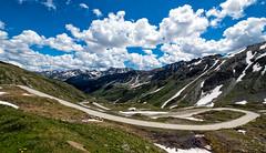 Tessiner Alpen (Guy Goetzinger) Tags: berge landschaft goetzinger 2018 nikon d850 landscape mountains clouds road alps nufenen pass ticino alpin blue sky strasse route col switzerland tessin