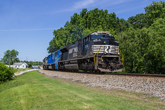 NS 153 at Austell (travisnewman100) Tags: norfolk southern train railroad rr freight manifest austell alabama division east end district sd70ace sd70 gatx leaser 153 emd