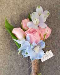 This beautiful buttonhole of pink odilia spray roses and soft blue delphinium heads looked stunning finished with twine 💗 . . . #parsleyandsagewedding #delphinium #sprayroses #buttonhole #buttonholeflower #bestman #flowerart #florals #flowerlov (parsleyandsage11) Tags: bestman flowerlove sprayroses flowerart parsleyandsagewedding delphinium florals buttonhole buttonholeflower