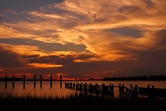 LCS-Shade Begin (Montwerx) Tags: sunset lowcountrysunsets lowcountrysunsetsonfacebook dusk twilight mdggraphix sky skies myskies clouds cloudsstormssunsetssunrises
