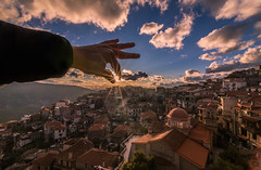 Don't let the sun go down (Vagelis Pikoulas) Tags: sun sunset sunburst sunshine sunrays sky sundown clouds cloudy afternoon view landscape city cit urban vilia town roof roofs rooftops lightroom tokina 1628mm december winter 2017 arachova greece