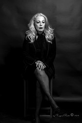 Marlene Dietrich-398-3 (Adriana.Britto) Tags: ensaio retrato portrait foto photo fotografia photography loira blonde blond model mature blackwhite blackandwhite pb pbr pretoebranco people art