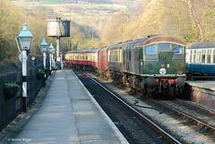 D5061 Grosmont, North Yorkshire. (I'mDKB) Tags: imdkb nikond80 1685mm 1685mmf3556ged nymr northyorkshire northyorkshiremoorsrailway class24 d5061 24061 march 2011 lightroom5 lr5 platform sulzer diesel locomotive tdb968007 experiment