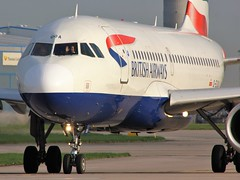 G-EUOA (AnDyMHoLdEn) Tags: britishairways a319 oneworld egcc airport manchester manchesterairport 23l