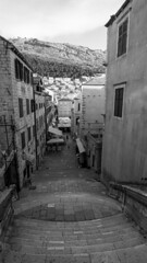 The starting point of the famous walk of shame (HansPermana) Tags: dubrovnik kroatien croatia hrvatska oldtown oldbuilding historic architecture tourists eu europe europa april 2018 spring sunny blackandwhite monochrome