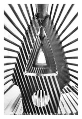 Inside the bench (leo.roos) Tags: bench bank shadow schaduw noiretblanc a7rii autotakumar3523 pentax m42 july2018classicprimes week35 dyxum challenge darosa leoroos