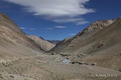 Ladakh (Rolandito.) Tags: asia india ledakh jammu kashmir highway mountains ladscape pass road