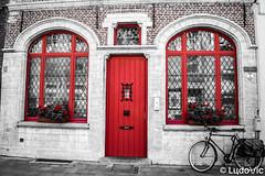 Façade à Malines (Lцdо\/іс) Tags: mechelen malines belgique beer belgium belgie travel citytrip old town red facade architecture explore europe europa flickr saariysqualitypictures lцdоіс août august 2018