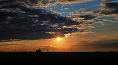 Night and Day (Missy Jussy) Tags: evening eveningsun sunlight sun sunset silhouette house windfarm windmills horizon sky clouds bluesky darkness dusk landscape northumberland northeastcoast campingtrip hemscotthillfarm druridgebay cresswell canon 50mm ef50mmf18ll ef50mm canon50mm canon5dmarkll canon5d canoneos5dmarkii 5d