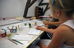 Musee-faience_atelier-enfant (9) (villenevers) Tags: museedelafaience musee faience atelier visite enfant peinture