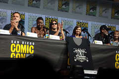 Andrew Lincoln, Danai Gurira, Norman Reedus, Lauren Cohan & Jeffrey Dean Morgan (Gage Skidmore) Tags: andrew lincoln danai gurira norman reedus lauren cohan jeffrey dean morgan walking dead amc san diego comic con international 2018 convention center california