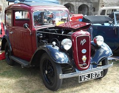 West Midlands Classic Car Club annual show 47 (Mount Fuji Man) Tags: westmidlandsclassiccarclub annualshow classiccar courtyard july2018 dudleycastle