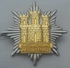 Suffolk Fire and Rescue Service Cap Badge 2004-On (Lesopc) Tags: suffolk fire brigade service rescue uk cap badge 2004 2005 2006 2007 2008 2009 2010 2011 2012 2013 2014 2015 2016 2017 2018 logo 2019 sfrs