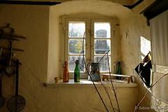 Am Fenster (Sockenhummel) Tags: rüdersdorf küche fenster window kitchen antik museum museumspark amfenster flickr ausflug fuji xt10