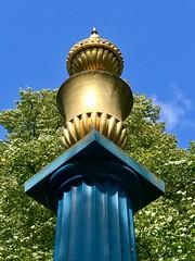 Hoglands Park, Southampton (John D McDonald) Tags: hoglandspark pillar column monument england britain greatbritain wessex geotagged iphone iphone7plus appleiphone appleiphone7plus