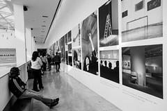 Malba in Buenos Aires (Luiz Contreira) Tags: museum museu malba buenosaires argentina bsas blackwhite bw brazilianphotographer southamerica américadosul canon art pretoebranco pb people pessoas