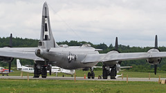 A98I2780 (CdnAvSpotter) Tags: fifi b29 superfortress boeing airplane aviation warbird vintage wings gatineau airport cynd ynd canada ottawa commemorative air force caf airpowertour marshallers ground crew bomber
