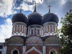 Intercession Cathedral (Oleg.A) Tags: ancient sunny russia church old brick city outdoor materials town clouds exterior izmailovskykremlin cathedral dome cross summer morning orthodox style architecture skyscape design village izmailovskypark moscow catedral outdoors москва moskva ru