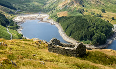 Looking down on Haweswater.. (Tall Guy) Tags: tallguy uk unescoworldheritagesite ldnp lakedistrict cumbria haweswater barn hut peatstore