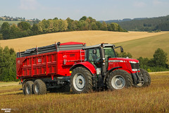 Posing | MASSEY FERGUSON // WTC Písečná (martin_king.photo) Tags: harvest harvest2018 ernte 2018harvestseason masseyferguson7724 dynavt wtcpísečnábig2216 tandem trailer posing masseyferguson wtcpísečná agco modernmachine summerwork powerfull martin king photo machines strong agricultural great czechrepublic agriculturalmachinery farm working modernagriculture landwirtschaft martinkingphoto moisson machine machinery field huge big sky agriculture power dynastyphotography lukaskralphotocz day fans work place yellow gold golden eos country lens rural camera outdoors outdoor colours landscape fields lines hills hillylandscape highlands red colored