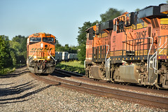 Morning meet on the Marceline Sub. (Machme92) Tags: bnsf burligrton bn ge gevo railroad railfanning railroads railfans rails rail row railroading railfan american atsf america nikon nikond7200 missouri