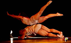 Eles Bailarinos (Marcelo Seixas) Tags: mulher linda maravilha maravilhosa dancing gold beautiful lovely cady action dance art bravo best arte passo performace balance artistic woman star show apresentação boavista roraima espetáculo students palco perfect perfeito perfeição musculos muscles young jovem dança danze danza tanz tones tons surreal wow canon girl love people balletmoderno ballo balé bailariana bailarino ballerino balet baletka baletki baletky balletslippers ballerinas balett balerina ballerina ballet descalça descalza piedsnus piedinudi scalza barefoot decalza pieds pidi