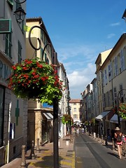 streets of Antibes (angelinas) Tags: antibes frenchriviera cotedazur provence streetphotography streets flowers summer europe francia france