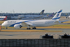 EL AL Boeing 787-958 4X-EDD LHR 30-06-18 (Axel J. ✈ Aviation Photography) Tags: elal boeing 787 4xedd lhr london heathrow luftfahrt fluggesellschaft flughafen flugplatz aircraft aeroplane aviation airline airport airfield 飞机 vliegtuig 飛機 飛行機 비행기 авиация самолет תְעוּפָה hàngkhông avion luchtvaart luchthaven avião aeropuerto aviación aviação aviones jet linienflugzeug vorfeld apron taxiway rollweg runway startbahn landebahn outdoor planespotter planespotting spotter spotting fracht freight cargo