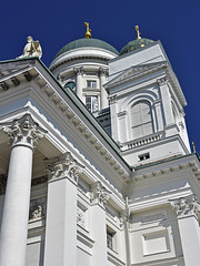 Tuomiokirkko (RobertLx) Tags: architecture building city square church cathedral christian lutheran protestant white column sky helsinki finland nordic europe tuomiokirkko dome