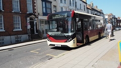 Scarborough & District Bus 509 in Scarborough Town Centre. (ManOfYorkshire) Tags: alexanderdennis enviro200mmc mmc enviro200 scarboroughdistrict eastyorkshire branded 509 yy66pgz route10 hospital midibus