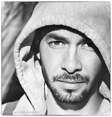 CÉSAR. (NIKONIANO) Tags: retrato retratomasculino man hombre beard barba joven hombrejoven face rostro visage eyes nose ojos nariz boca labios leves levres lips eyelashes